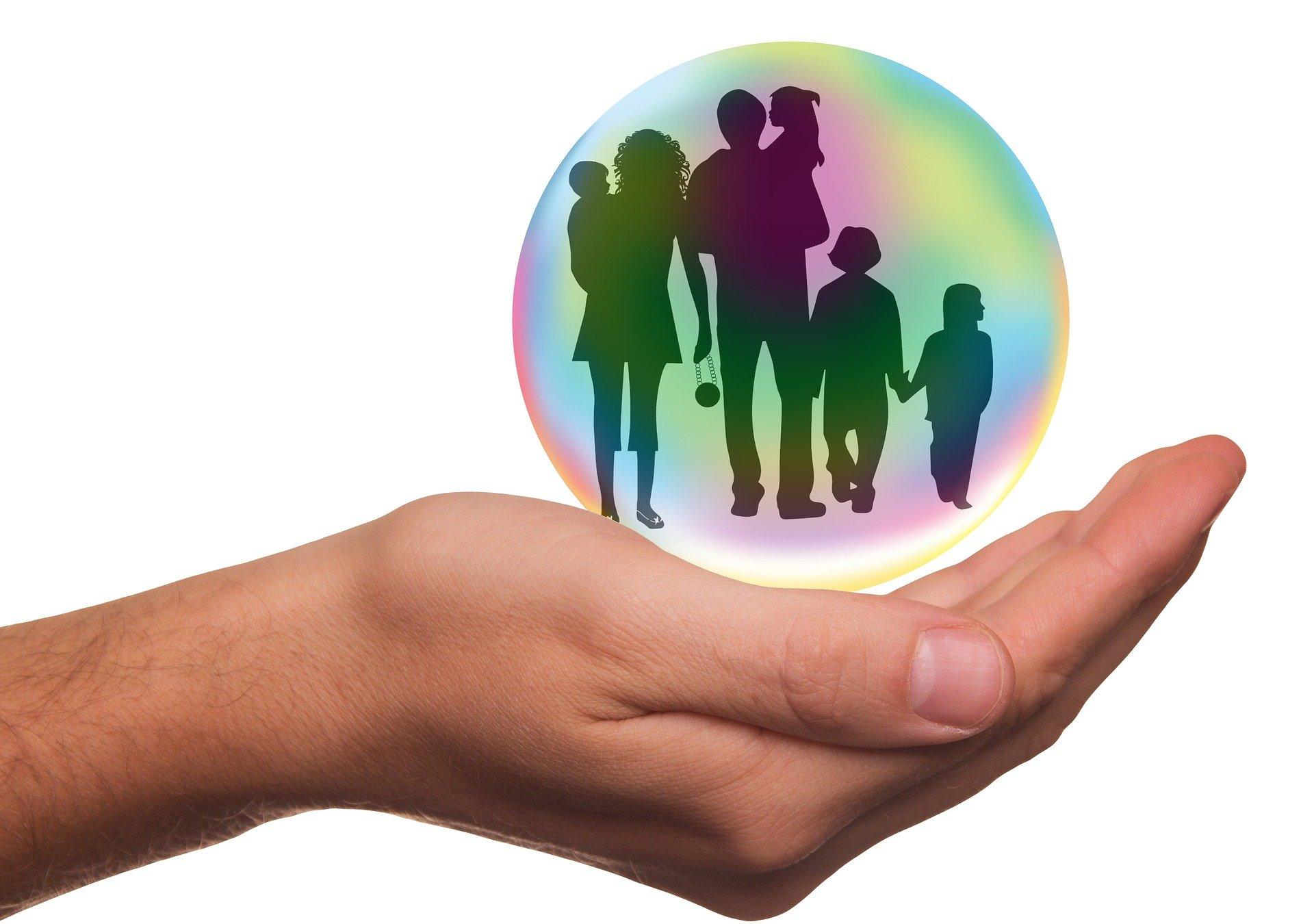 Bei Politik statt bei Familien sparen